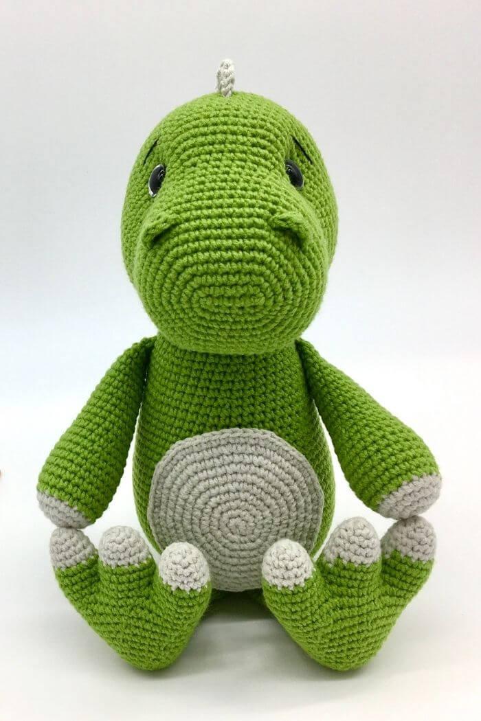 Free dinosaur crochet patter, Amigurumi dinosaur, T-rex (11)