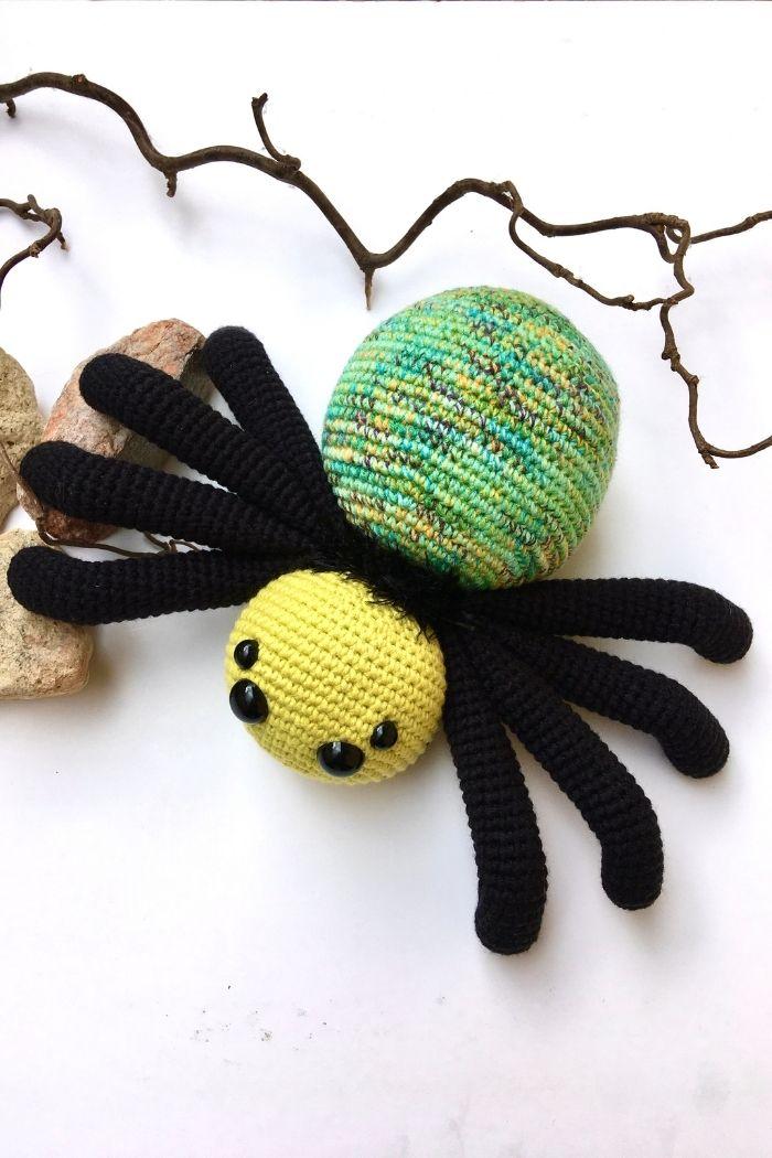 Free crochet spider pattern, free Amigurumi spider pattern by Cuddly Stitches Craft (4)